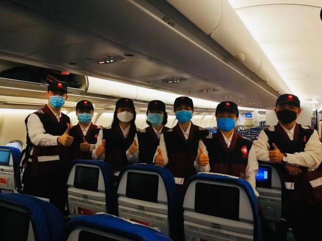 守望相助!刚刚,广西组建7人中国抗疫医疗专家组出发赴柬埔寨
