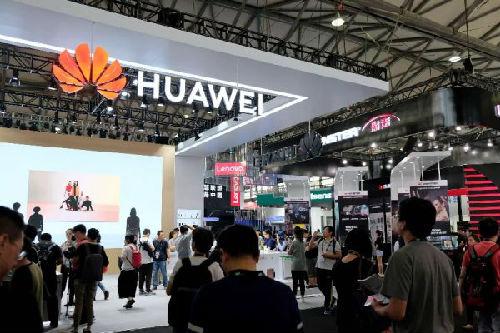 2018��洲消�M�子展13日在上海�_幕,人工智能被列�楸敬握��的重要主�}之一。(《日本���新�》�W站)