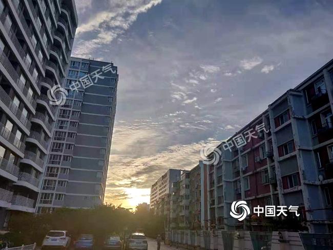 今晨北京阳光充足。