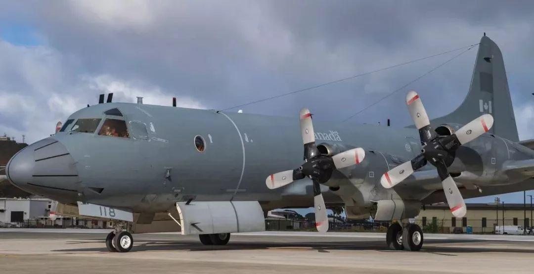 添拿大CP-140侦察机
