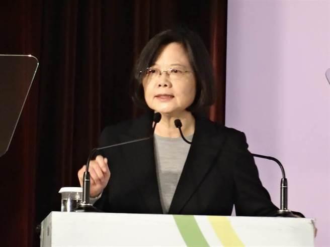"""蔡英文卸下党主席那一刻首,就在为接任的主席人选费尽心力。(图片来源:台湾""""中时电子报"""")"""