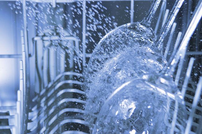 """洗碗机可以代替消毒柜 为何会出现这个""""消费误区""""?"""