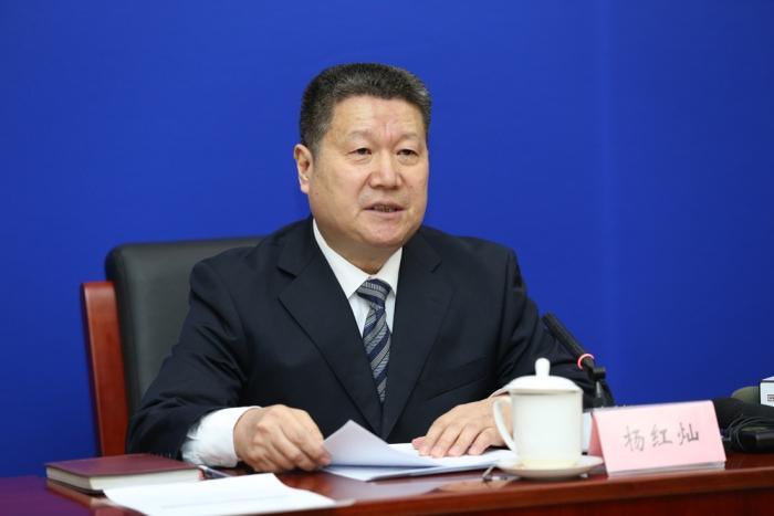 操龙灿当选安徽省池州市长