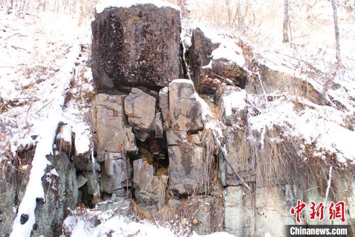 呼中发现距今约7000年岩画