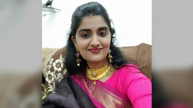 印度26岁美女兽医遭奸杀焚尸 家属求绞死凶手