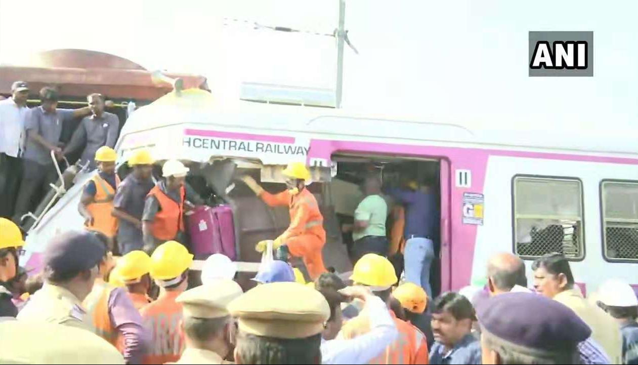印度两列火车站台内相撞 至少12人受伤_意大利新闻_意大利中文网