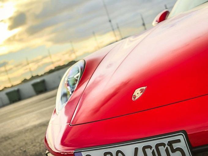 保時捷新911,增手動擋車型,不用選裝,免費送這功能,是真香!