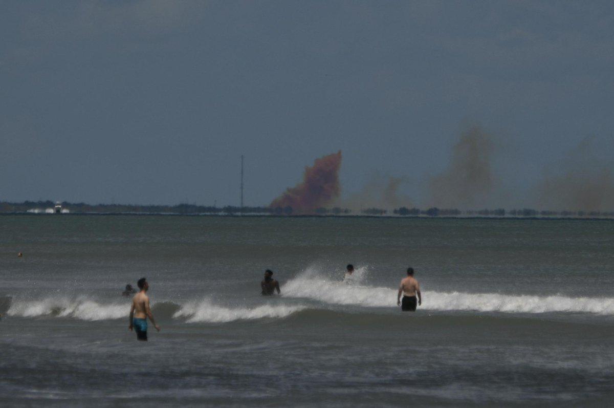 龙飞船在测试中发生爆炸 图自社交媒体