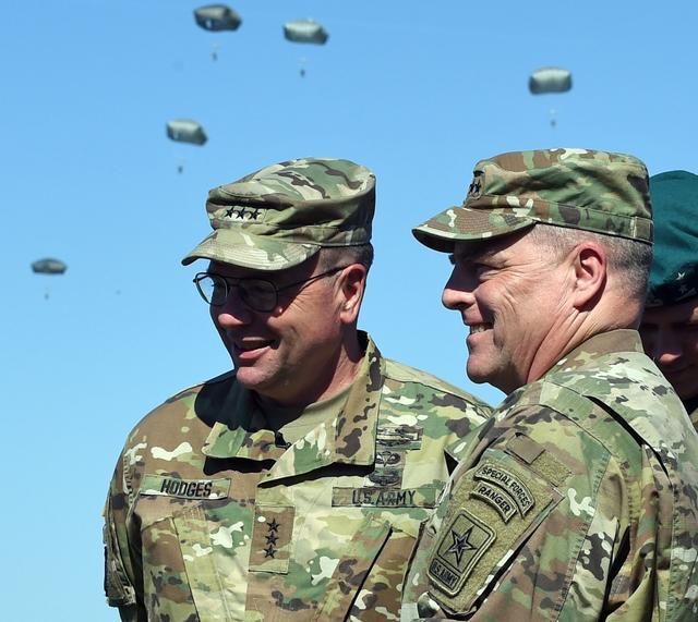7月,美国参议院通过了对米利出任美军参谋长联席会议主席的提名。图自视觉中国