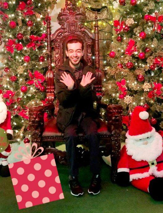 JR中间在本身的外交账号上发布的弟子欢度圣诞的照片(图片来源:外交媒体)