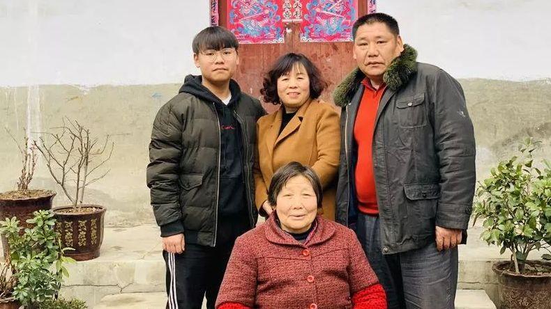 楊少富一家。2月2日,女兒楊嫚仍在返鄉途中。新京報記者王瑞文 攝