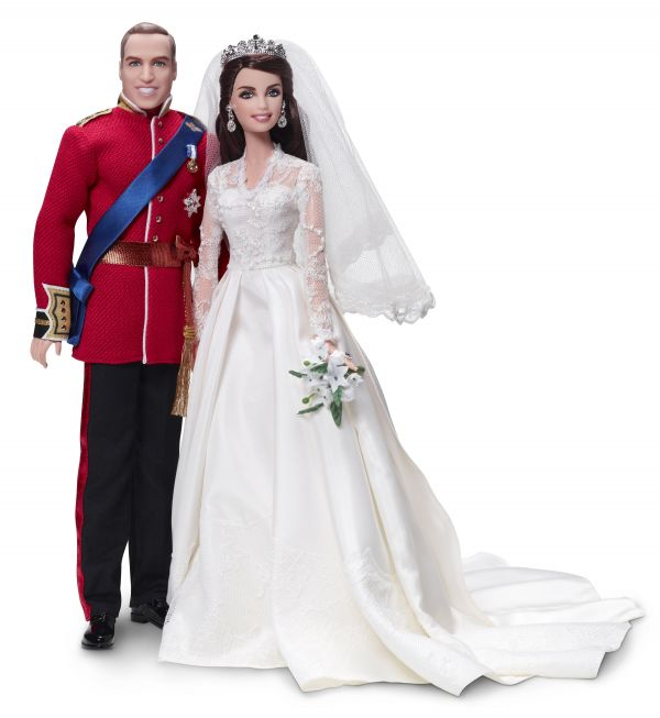 """世界最大的玩具公司美泰儿公司发布的名为""""威廉王子与凯瑟琳·米德尔顿""""的芭比娃娃。(新华社/欧新)"""