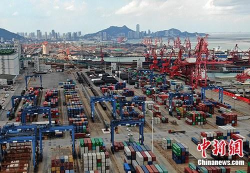资料图:集装箱码头。中新社记者 泱波 摄