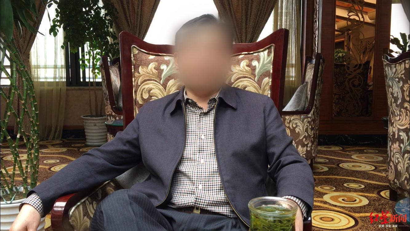 新京报评桂林航空网红进驾驶舱自拍:愧为机长