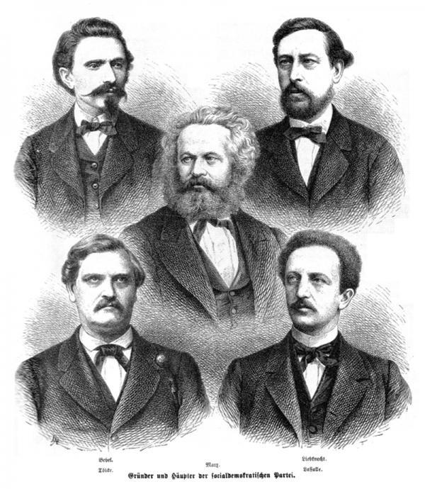 图为德国早期工人活动领袖August Bebel、Wilhelm Liebknecht、Wilhelm Tölcke、Ferdinand Lassalle,中间是马克思,图片来源:wiki