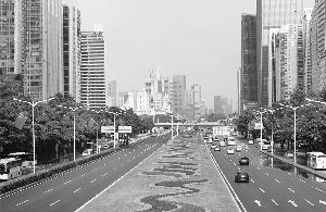 香港市民游行谴责美插手香港事务:香港暴徒美国造