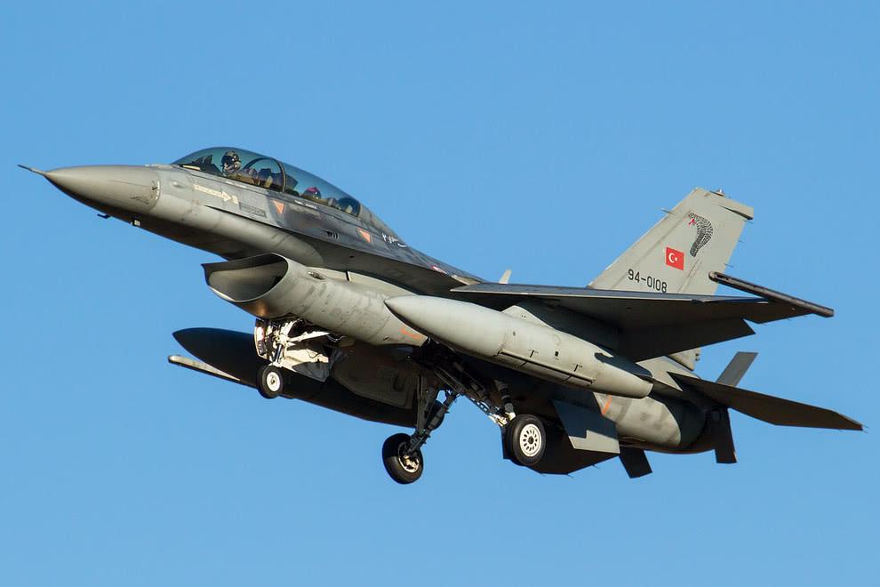 △F-16战机