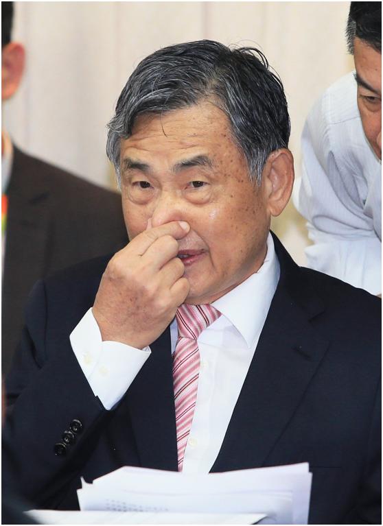 林郑对有公务员示威被捕深感遗憾 强调会依规处理