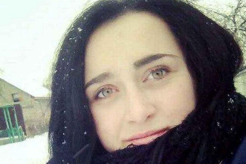 图片为乌克兰女学生伊莉娜,来自《镜报》