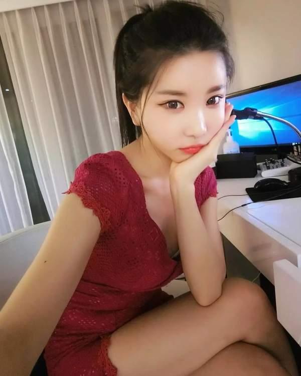 韩国女主播许允美福利美照