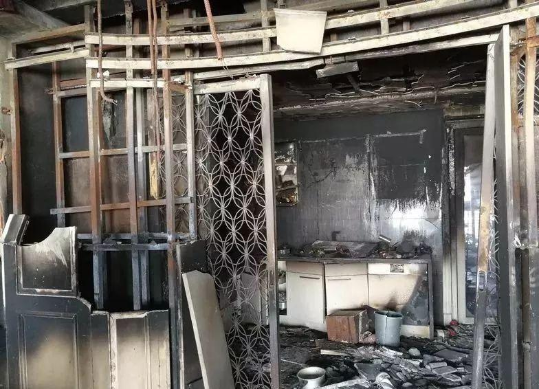 △ 大火之后,原先的房子已成一片废墟。 供图| 林生斌