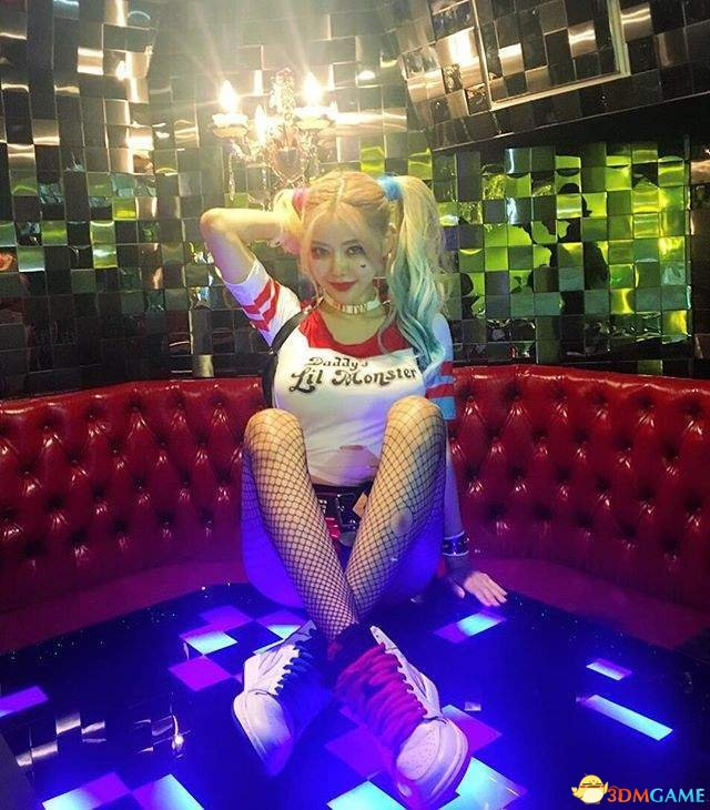 赤木晴子的真人版是韩国美女DJ黄素熙