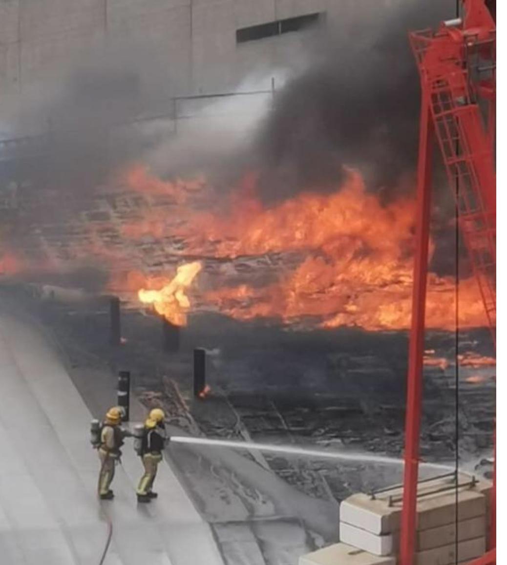 新西兰:奥克兰天空城火灾仍然没有得到控制