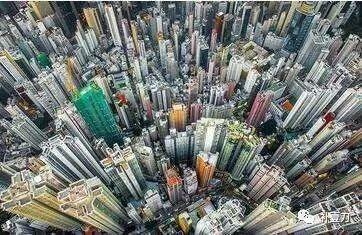 當香港面臨回歸以來最嚴峻局面時 李嘉誠去哪了?
