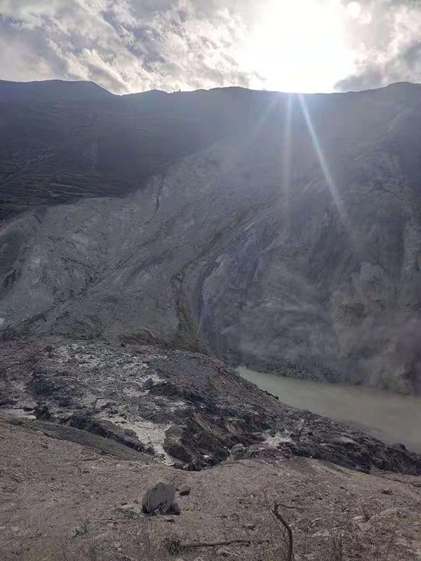金沙江断流堰塞湖现场。