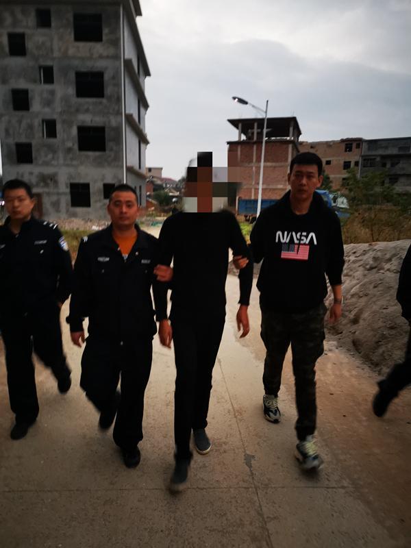 专案组在湖南省抓获碰瓷诈骗嫌疑人。