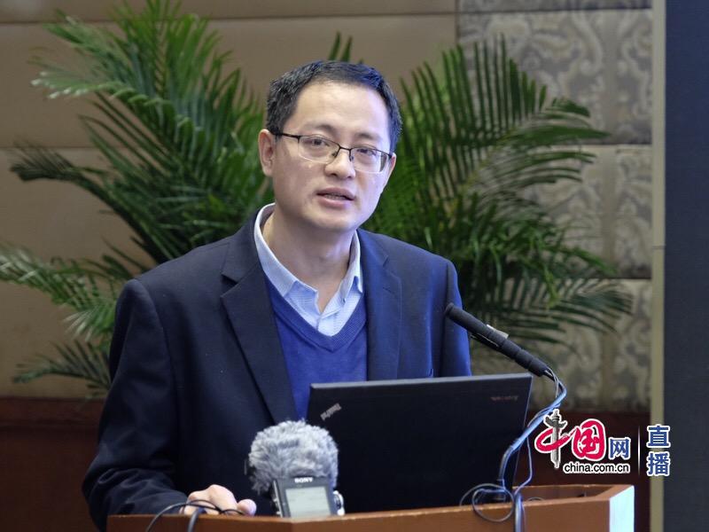 娄峰 图自中国网 下同