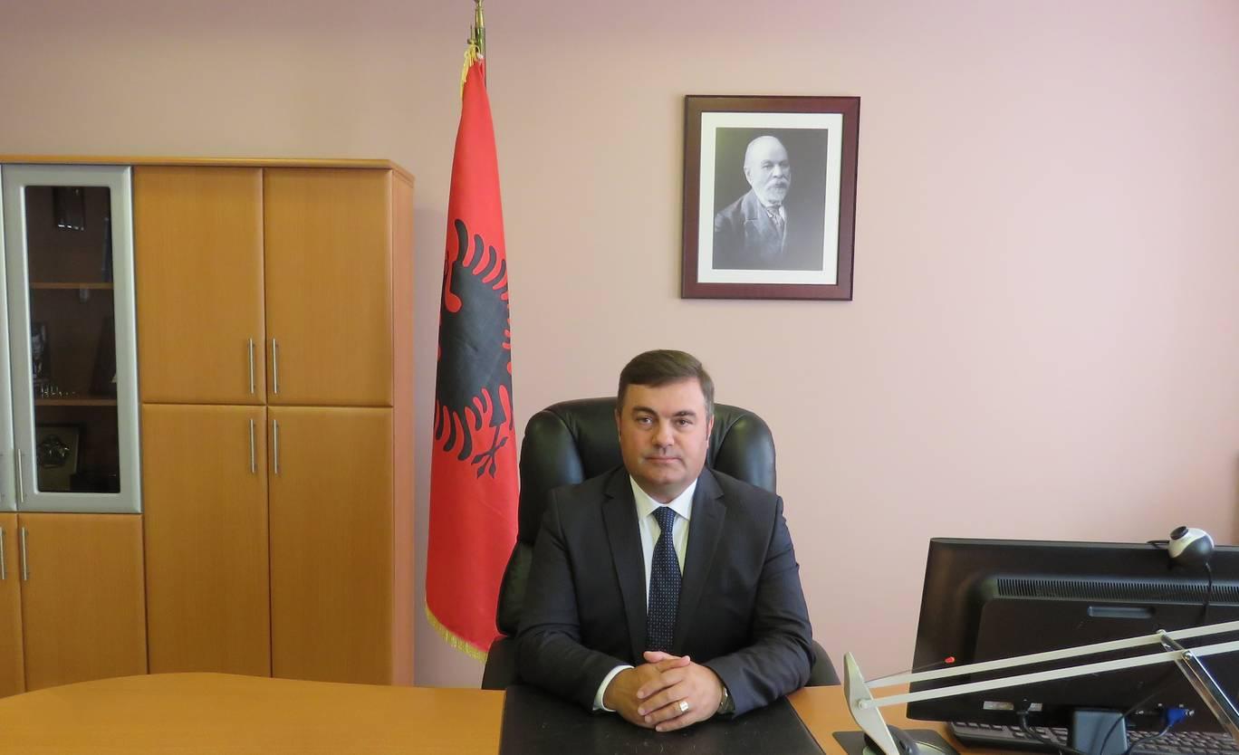 阿尔巴尼亚国家情报局局长本多