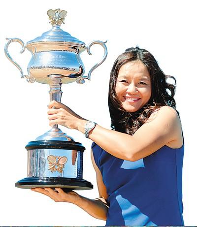 李娜 ●2011年法网女单冠军和2014年澳网女单冠军 ●亚洲第一个争夺网球大满贯单打冠军的选手
