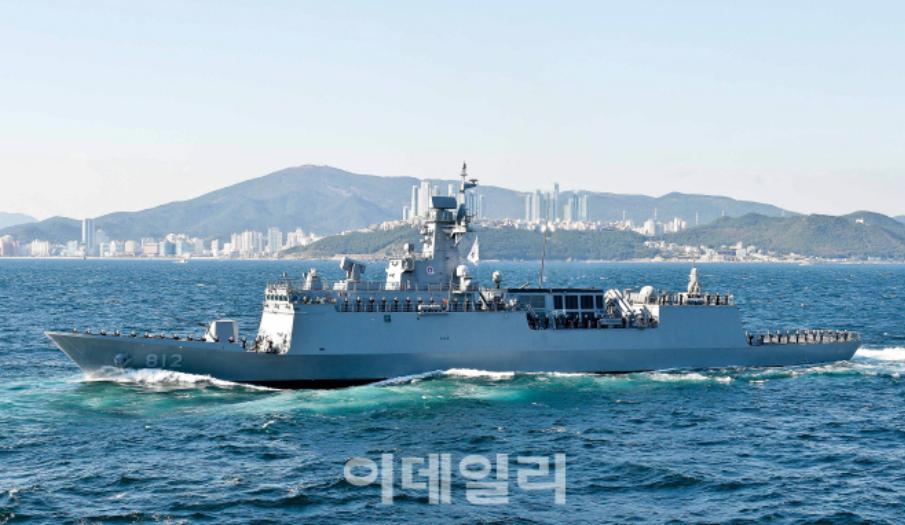 """韩国""""京畿""""号新型护卫舰(韩媒edaily)"""