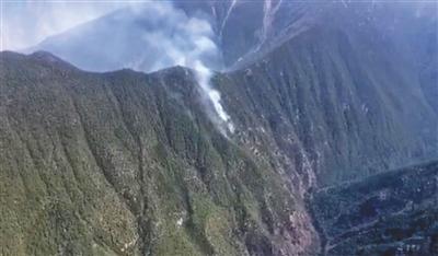 木里森林复燃 900余名扑火人员赴火场