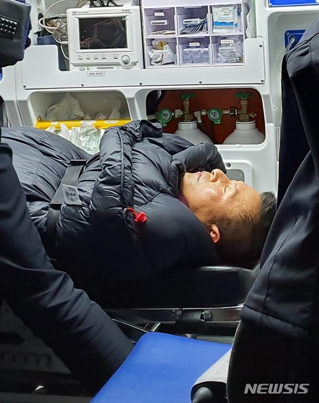 27日晚,绝食第八天的黄教安突然昏迷。(纽西斯通讯社)