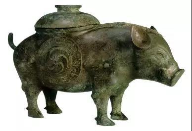图为山西天马曲村晋侯墓地出土猪尊,由受访者提供