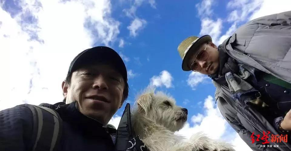 """电影《心花路放》演员与""""果汁""""在一首/据希诺谷微信公号"""