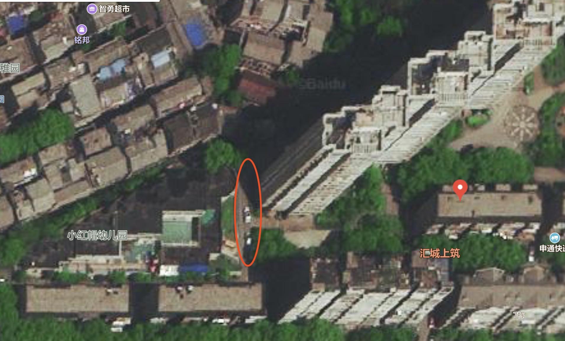 经林波指认,红圈处即林棋遇害的大致位置。 新京报记者 王瑞文 截图