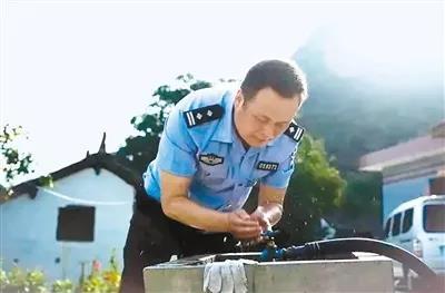 陕西蓝田一派出所所长值班时突发疾病因公殉职,年仅43岁