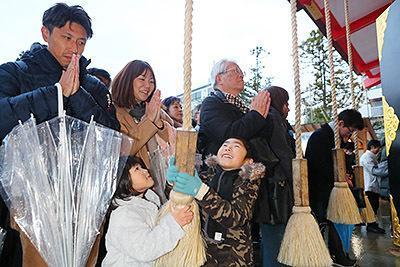 新年去神社参拜的日本民多(北日本信休)