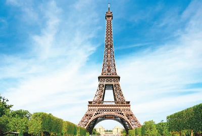 法国巴黎埃菲尔铁塔。资料图片