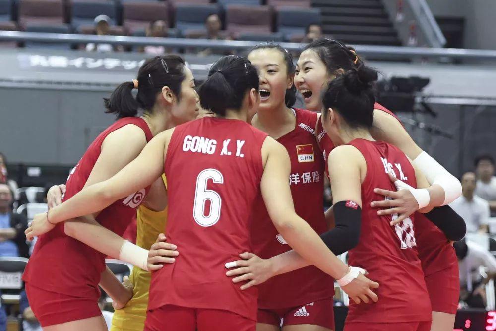 ↑9月29日,中国队球员在比赛中庆祝得分。新华社记者贺灿铃摄