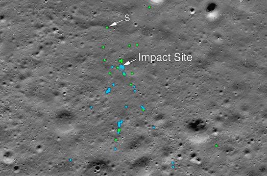绿点是碎片,蓝点是土壤的搅动(图源:NASA)