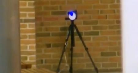一根激光笔就能打开你的家门?电器智能化的背后