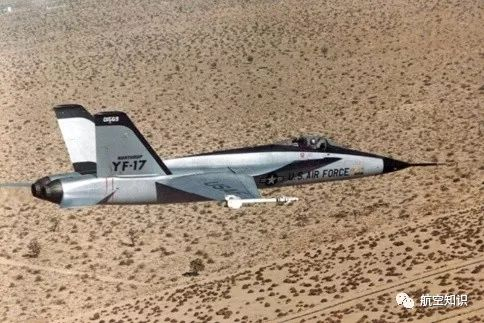 床上十八式��.�9b�9�yf_f/a-18由诺斯罗普的yf-17 发展而来