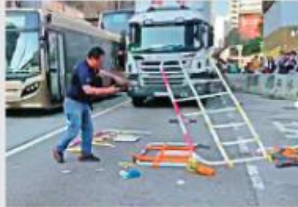 被殴打的货车司机(图源:香港《大公报》)