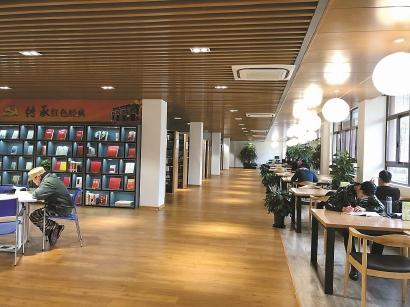 """新虹街道创新管理 让单一社区图书馆转型为以""""书香""""为核心的社区m88明升体育文化空间"""