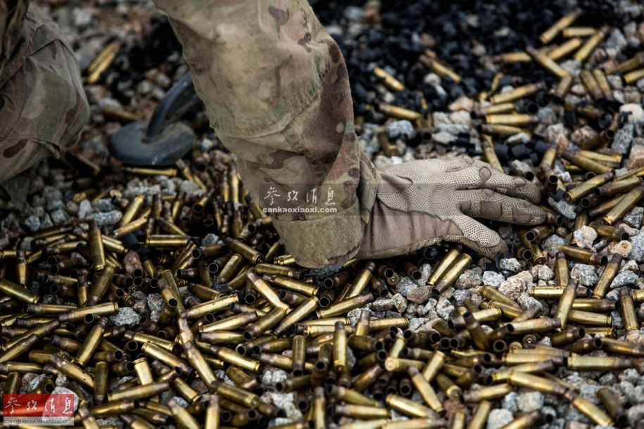 【蜗牛棋牌】5国万军人北欧对抗演习:一名瑞典女军人意外身亡