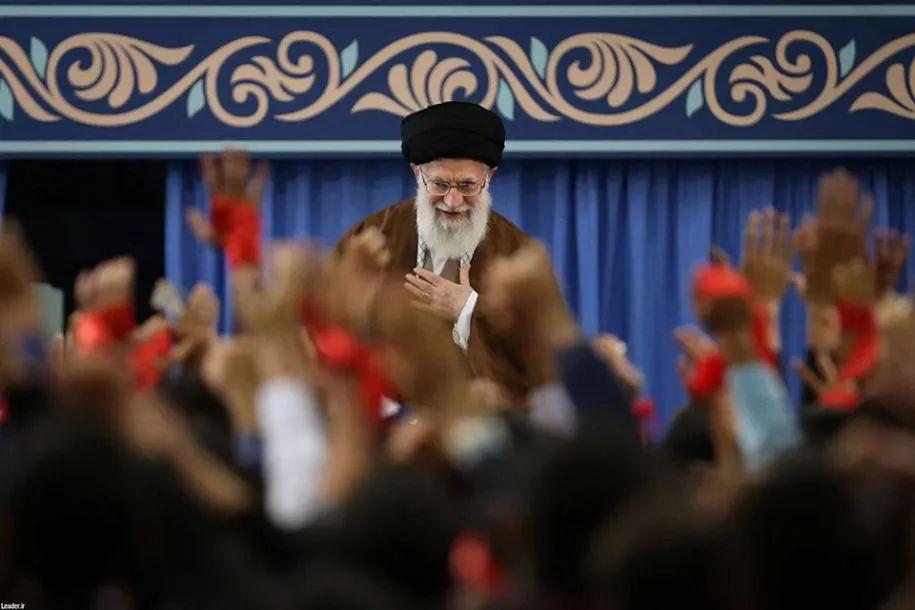 ▲11月3日,伊朗最高领袖哈梅内伊在德黑兰发表讲话强调,美国制裁对伊朗无效。(新华社/路透)